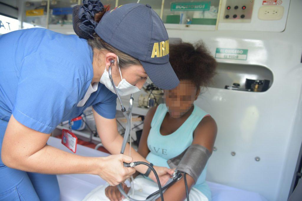 Bahía Málaga - Armada Nacional Evacúa Menor Afrodescendiente Embarazada